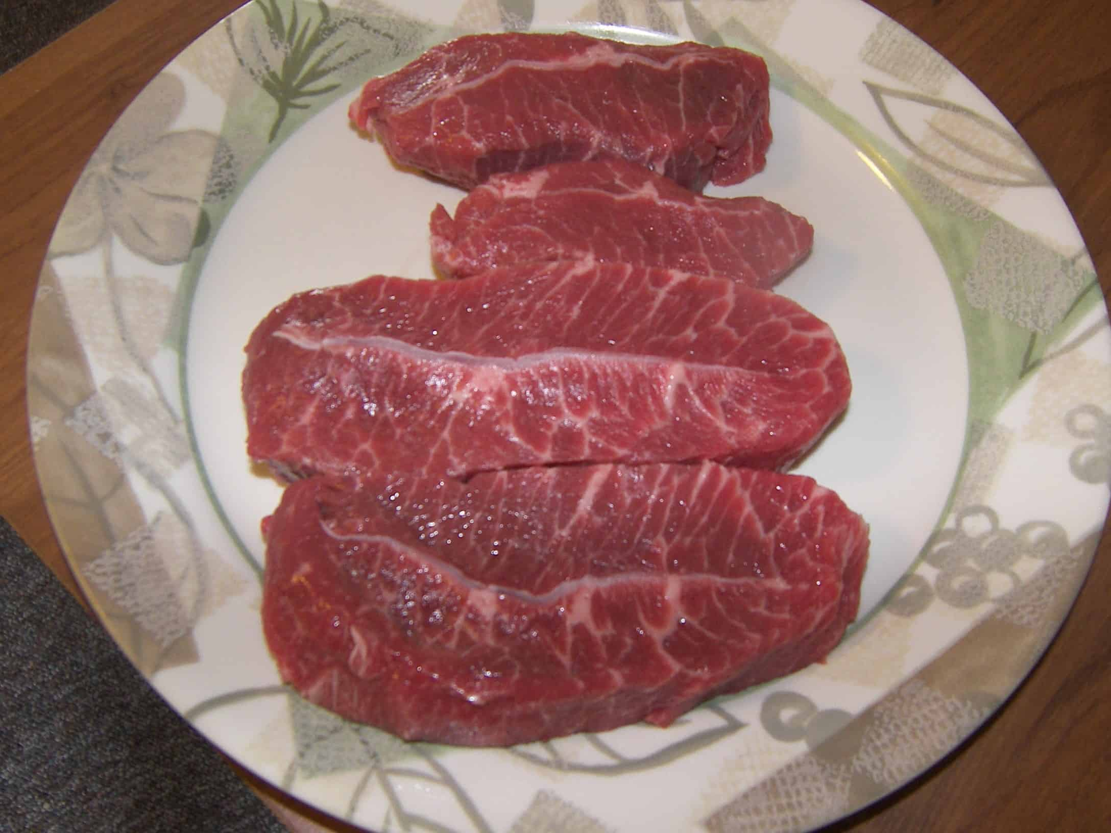 how to cut steak when eating