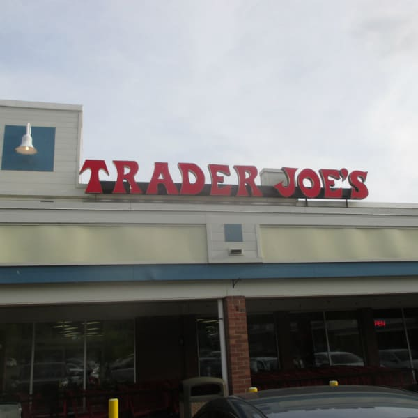 Trader Joes Sign Arb