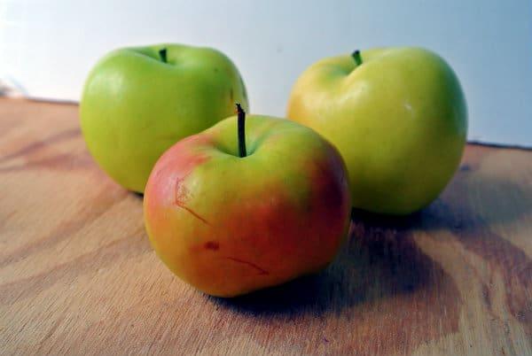 Pristine Apples