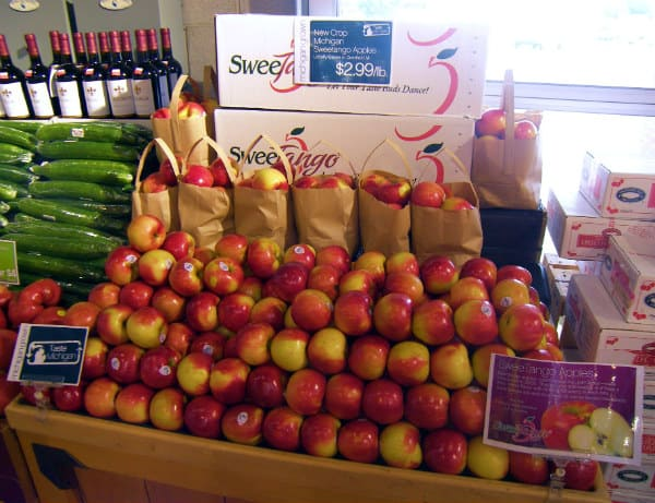Michigan SweeTango Apples