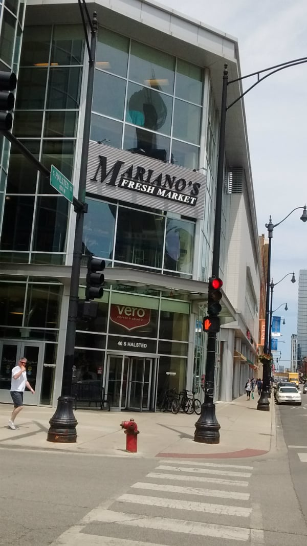 The front of the Mariano's  nearest to Chicago Union Station. There is also a Whole Foods right down the street.