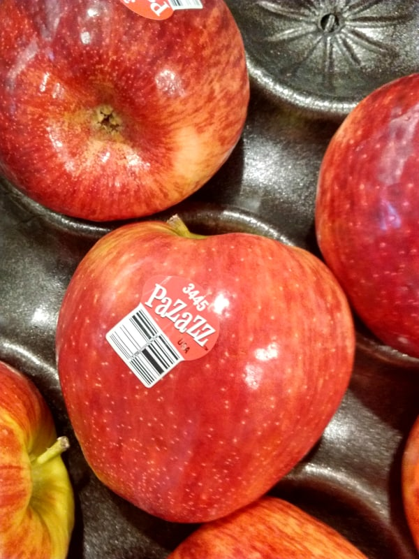 Pazazz apples at the grocery store