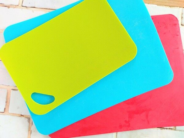 Colorful plastic flexible cutting boards