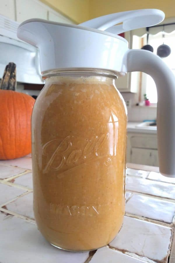 Pumpkin Pie Filling in a Bar Jar with the Ergo Spout