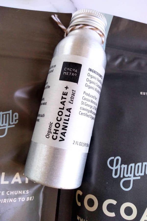 Cocoa Metro Chocolate + Vanilla Extract