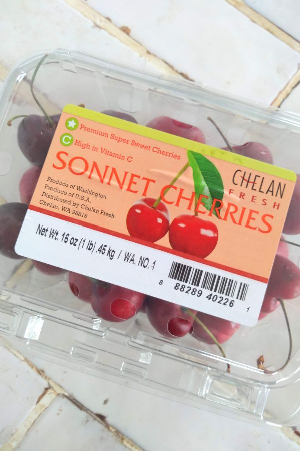 A clamshell package of Sonnet Cherries from Chelan Fresh